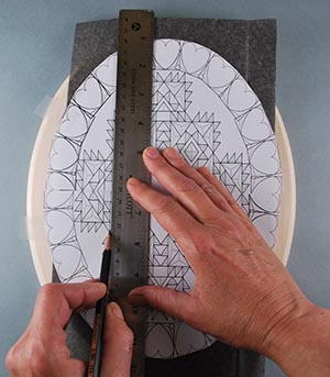 tracing a pattern to your carving board