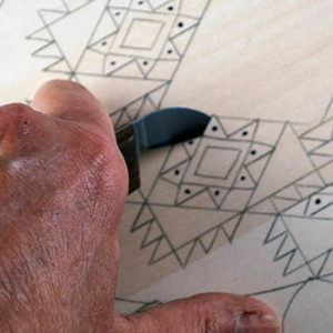 cutting triangle chips in chip carving